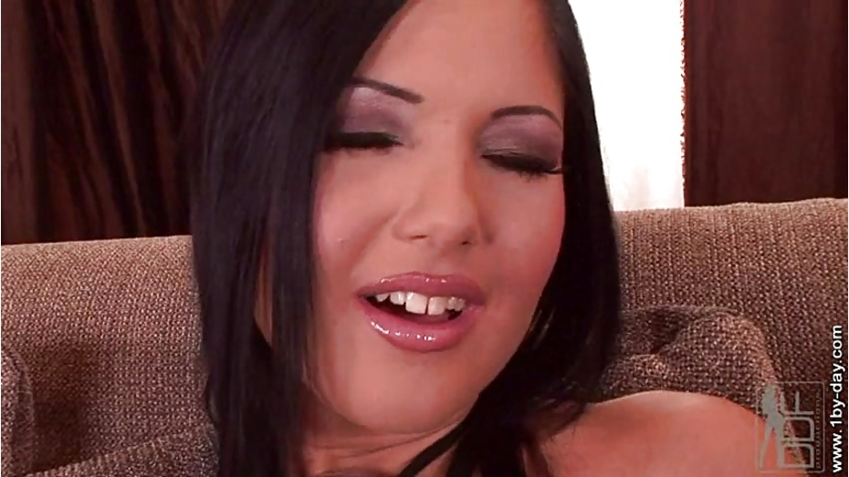 Livegonzo angelica and angel euro hotties on dildos 1