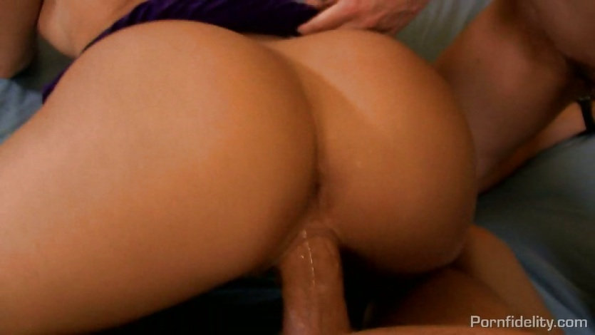 Alexis Texas threesome with a hot blonde and a big dick