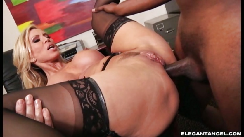 Amber Lynn anal sex in the office on the table | PornTube