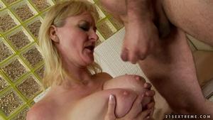 Lusty mamma porno