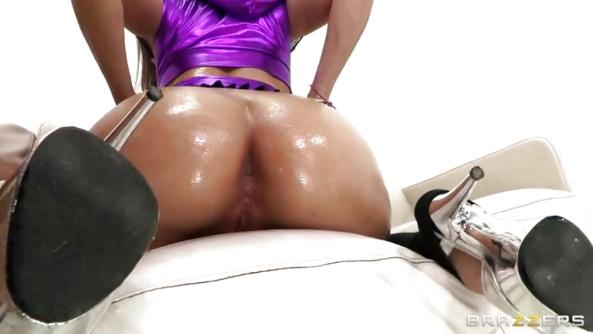 Roasting Gracie Glam gets her ass oiled up