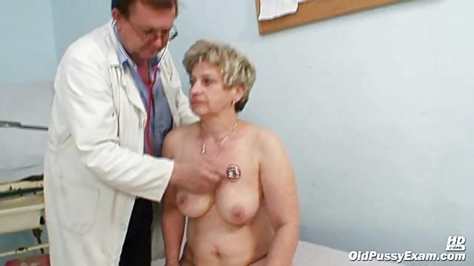 Zita mature woman gyno speculum exam at clinic 8