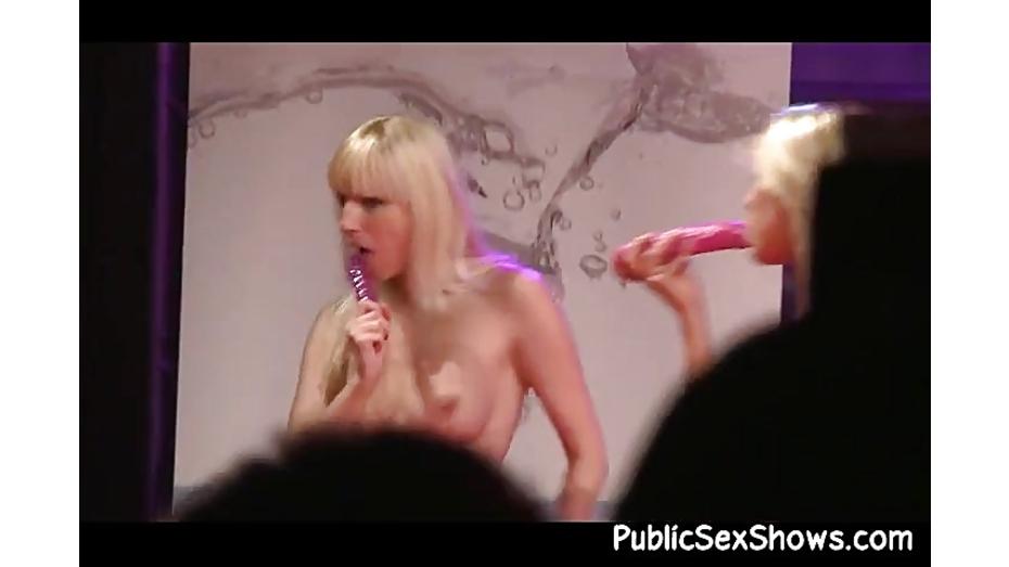 Sexy stripper slut pleases some dude 4