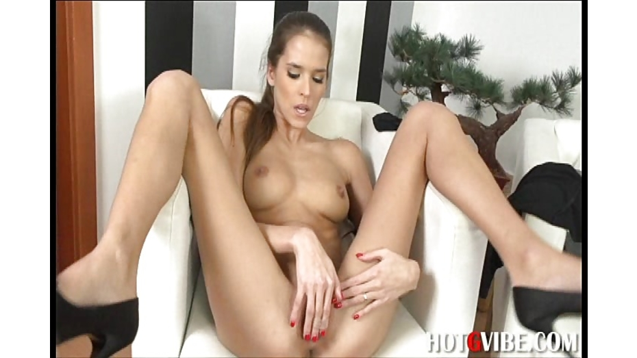 image Vanessa jordin masturbates at work