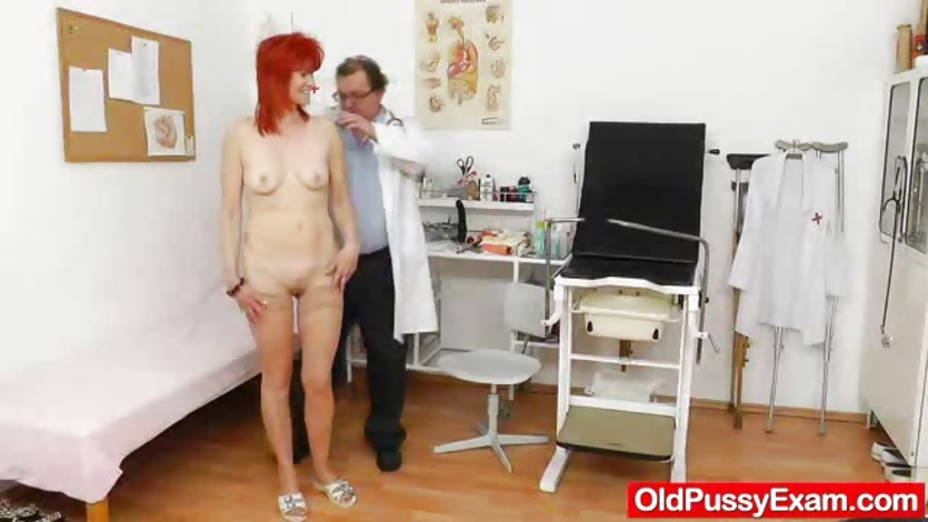 Wifey gyno in addition to a speculum 9