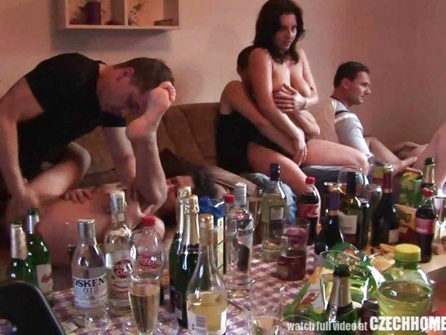 Ingyenes csoportos orgia pornó