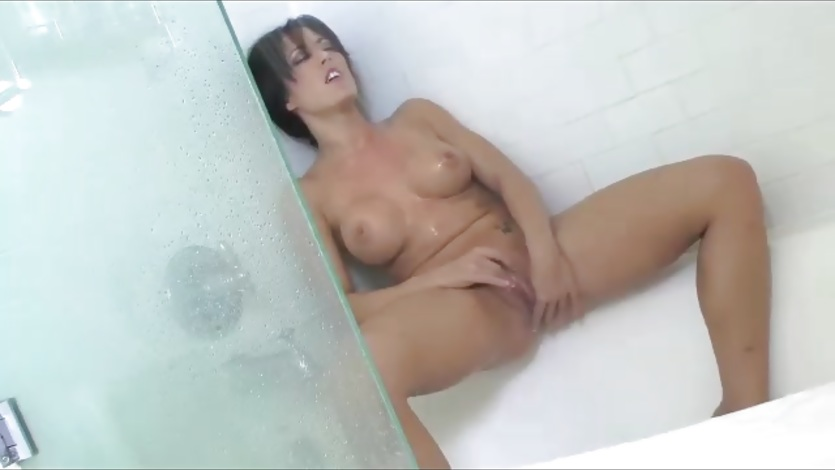 Shower Play Time With Capri Cavalli