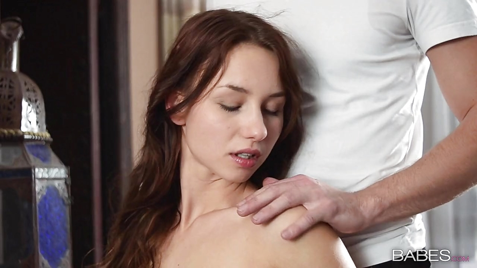 Lizz tayler gets eaten out and fucked 1