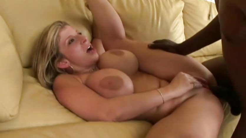 Wife riding dong while watching hubby sucking on a dong 7