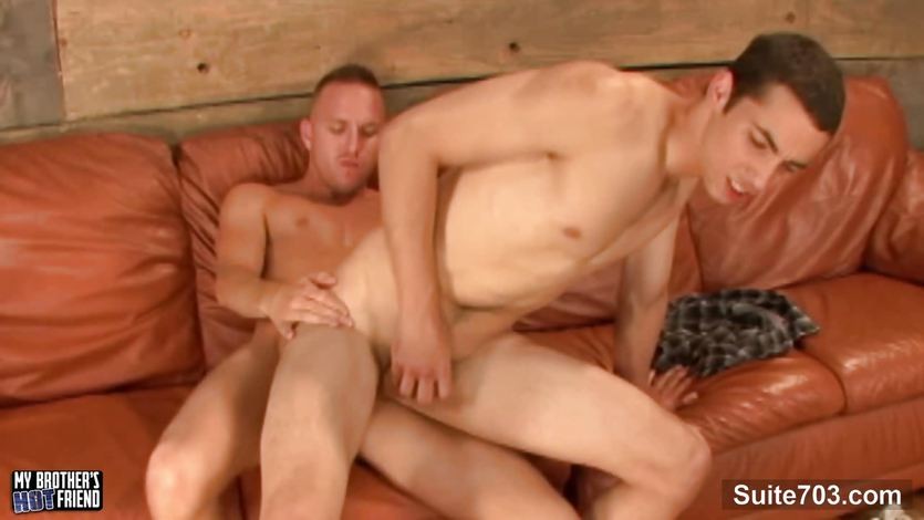 Lovely gays fuck and cum on the couch