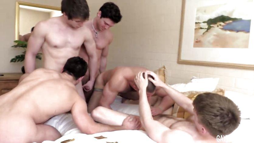5 jocks fuck in a hotel