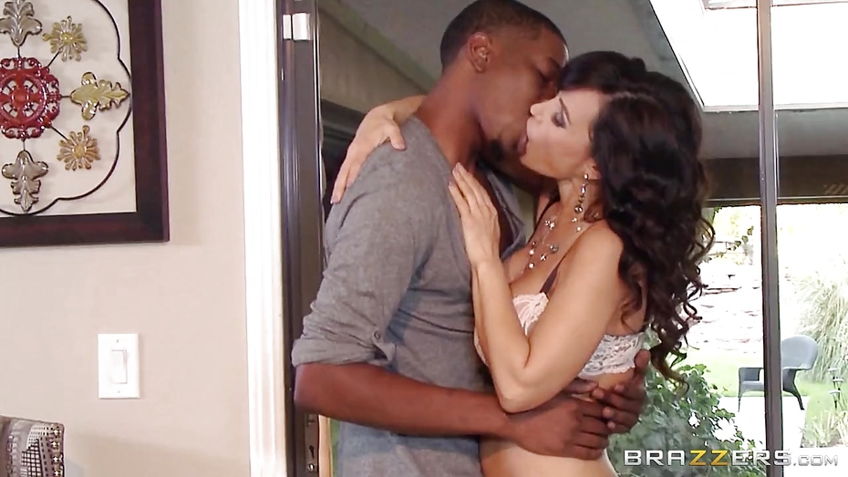 Lisa ann kissing