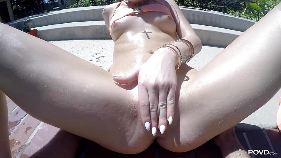 Transen Tittensex Brustwarzen Oral