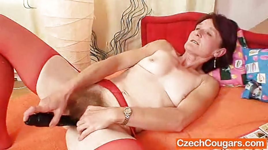 Woolly grandma toyed by bigbreasted mamma lesbian 8