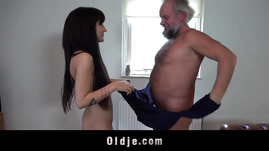 Bbw Masturbating Watching Porn