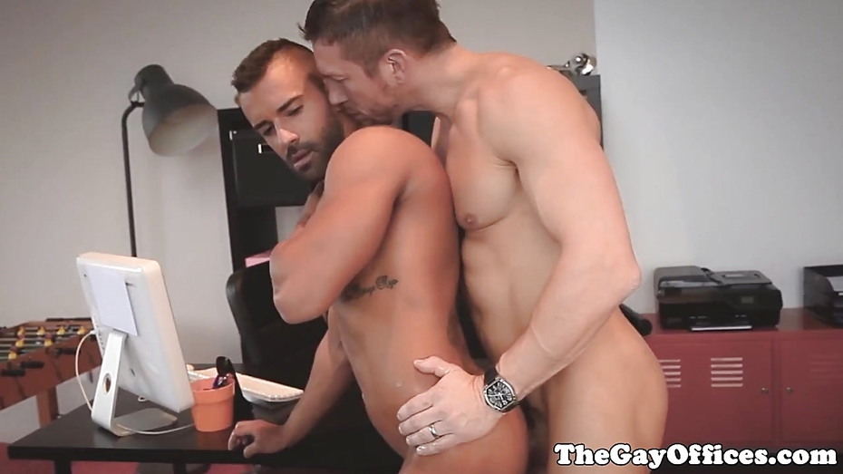 Athletic Jock Couple Enjoy Assfucking Fun