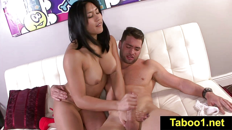 Fetishnetwork jasmine caro sensual hj for stepbro 1