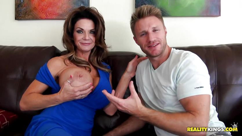 Close Mature Deauxma And Teen 23