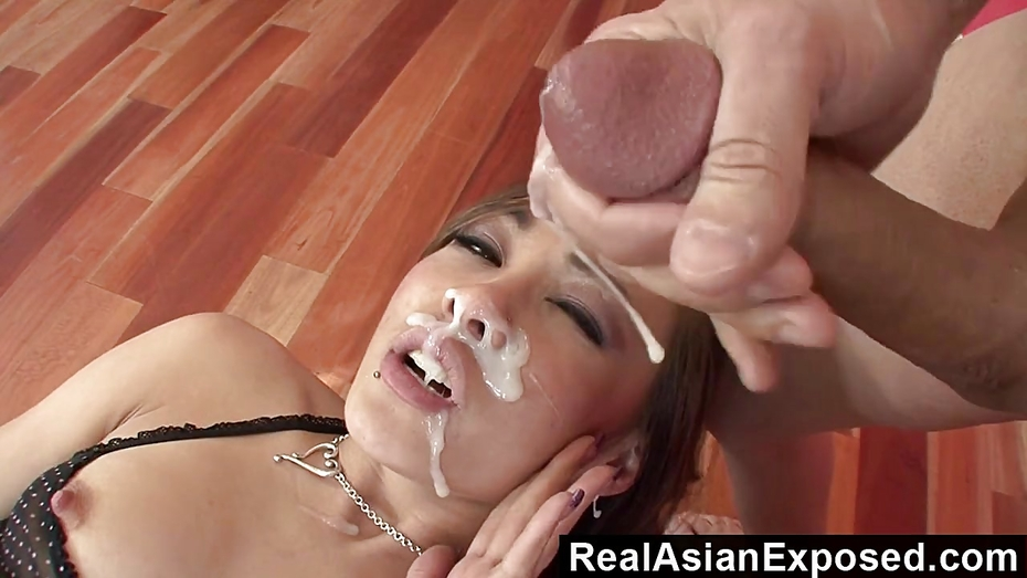 Realasianexposed ariel rose receives a massive load on the