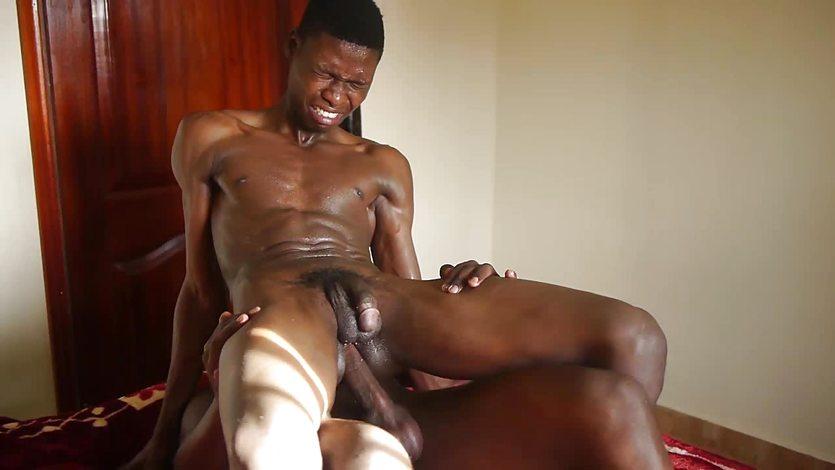 Barebacking african assfucks amateur stud
