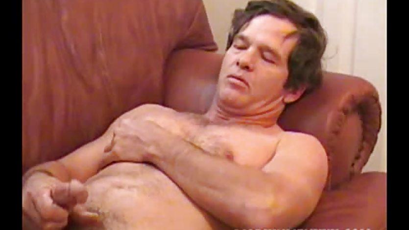 Amateur Mature Man Barry Jacks Off and Cums