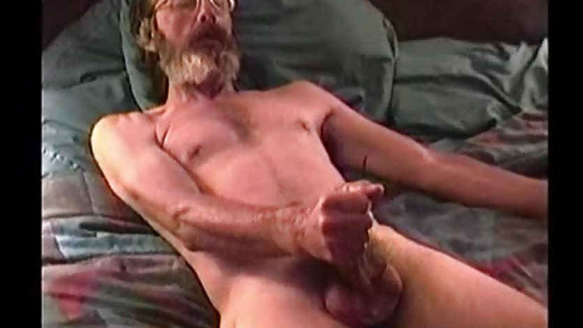 Mature Amateur Glen Jacking His Cock