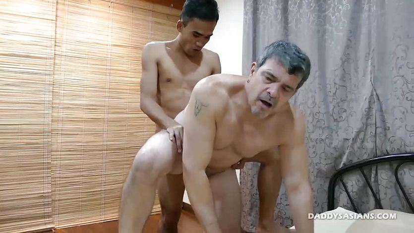 Daddy Bareback Fucks Str8 Asian Boy JR