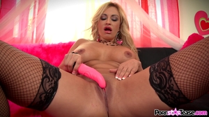 Horny Blond Klavdia Valentine, Fighting With Her Muff