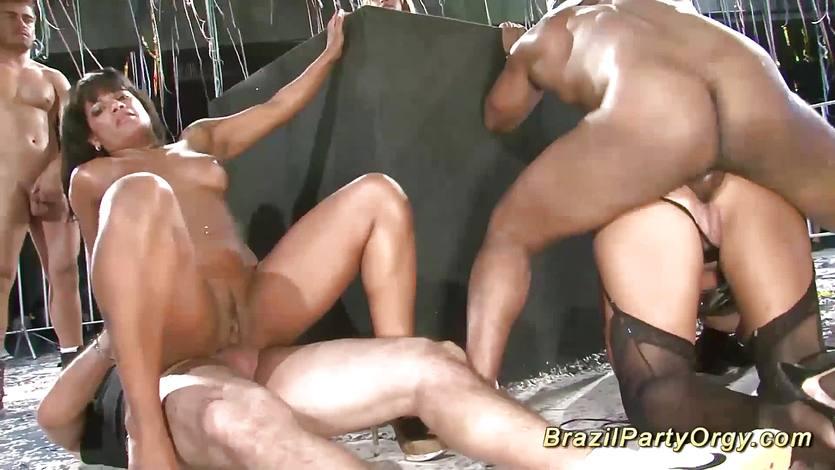 Бразильская групповое порно