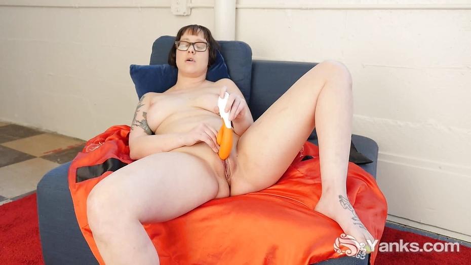 Yanks lesbian sierra licks endza over the edge - 2 part 1
