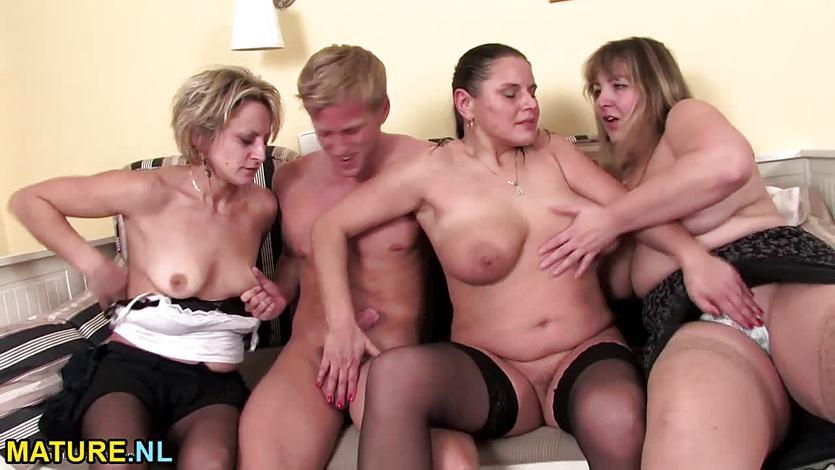 зрелые тетки на порно вечеринке