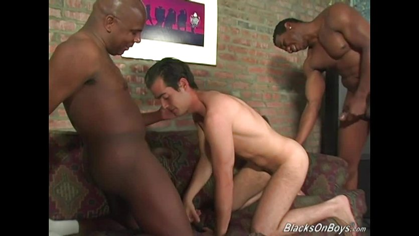 Hung black men sharing the ass of an amateur guy
