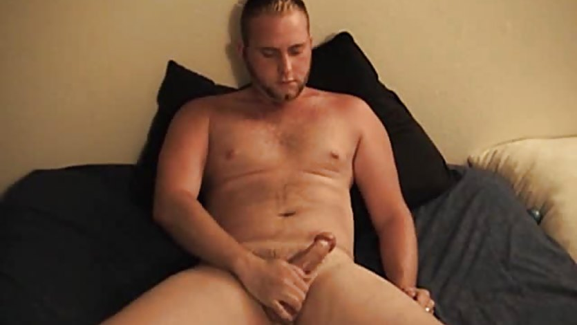 Hairy Amateur Keith Jacks Off