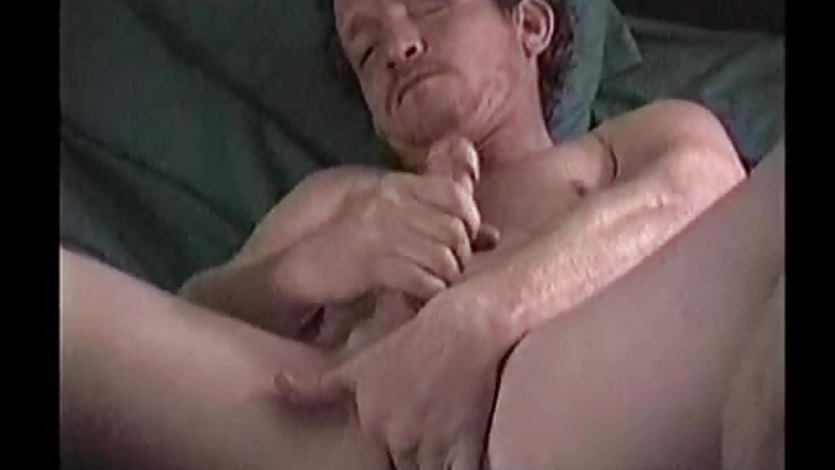 Mature amateur joe beats his meat
