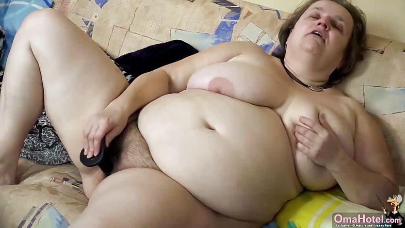 Толстая старая женщина мастурбирует порно — img 14