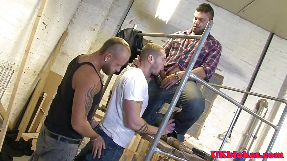 Muscular Bottom Double Ass Penetrated In Trio