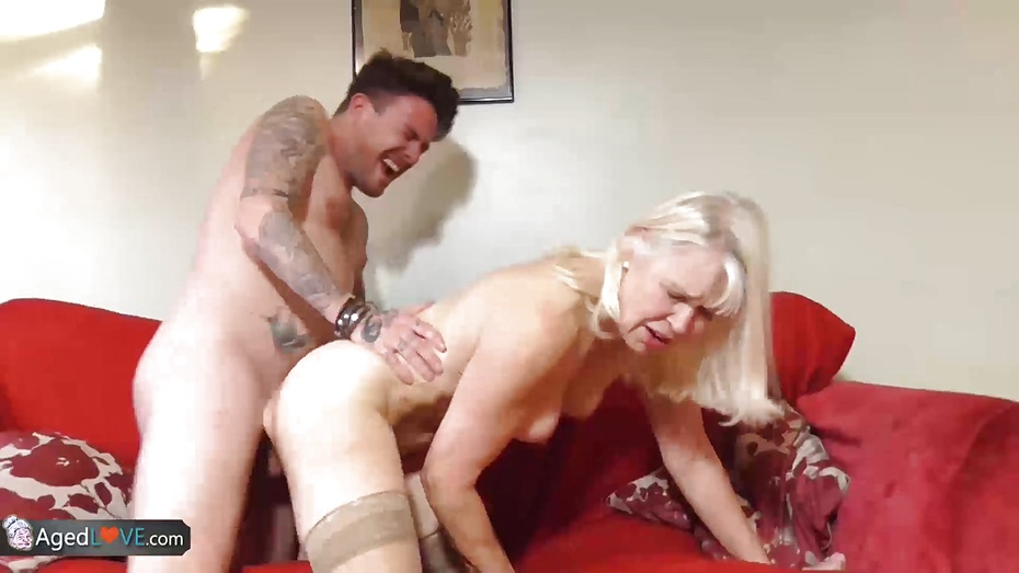 Europemature old blonde lady masturbating her cunt 3