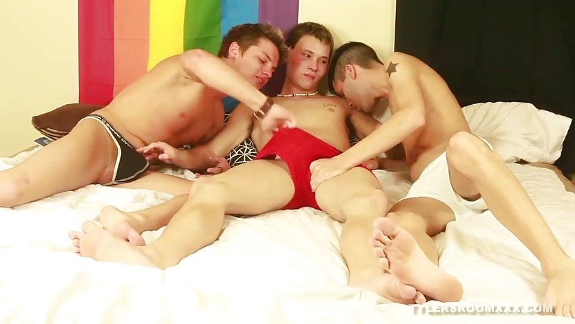 Gay Twink Threesome Spit Roast