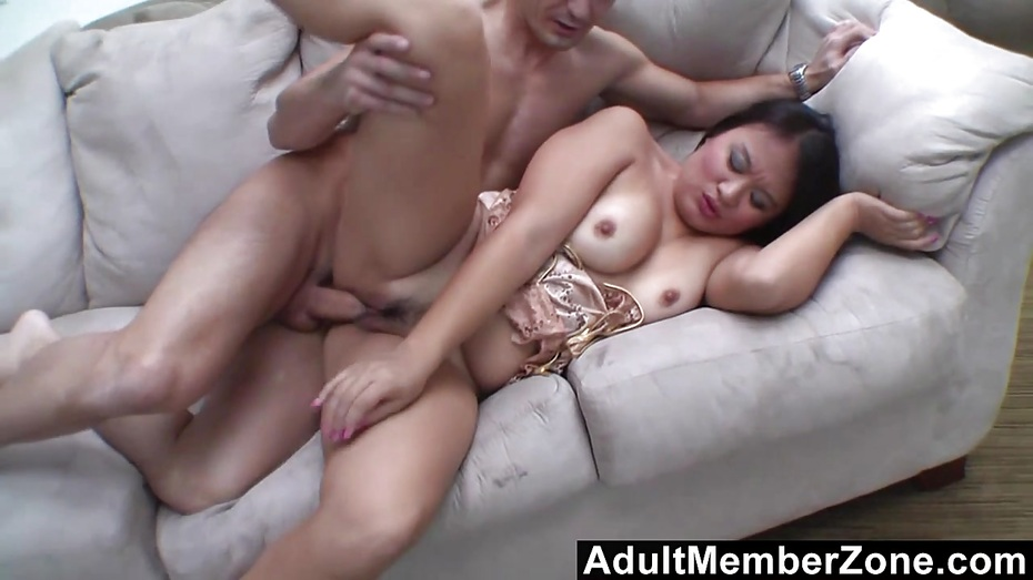 Adultmemberzone he makes her squirt so much she can039t take