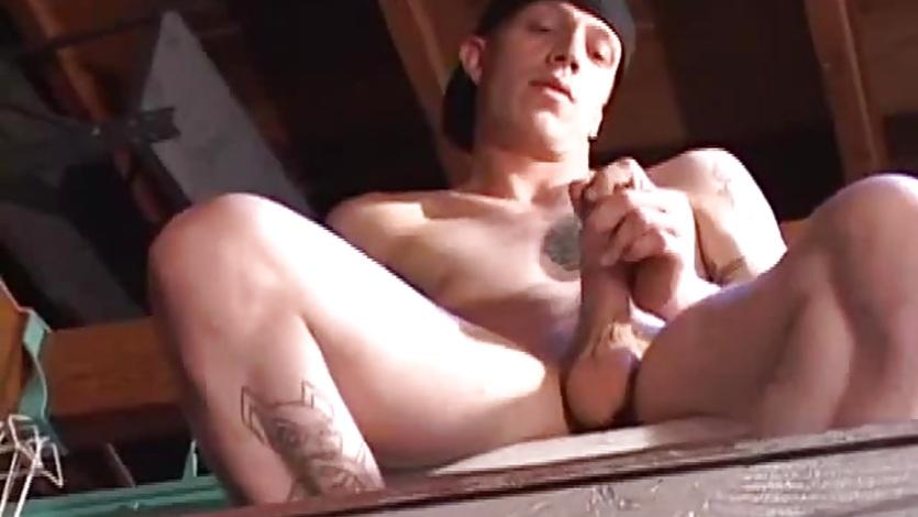 Amateur Shane Beats His Meat