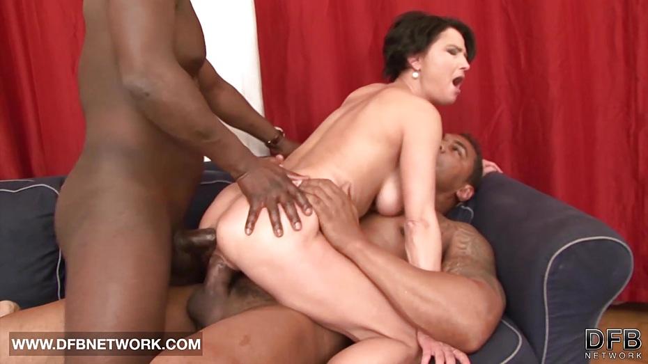 She likes deep throat