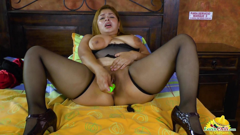 Latinchili busty mature karina solo masturbation 1