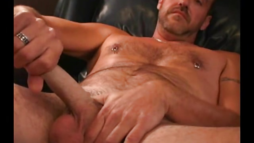 Mature Amateur Rob Jacks Off
