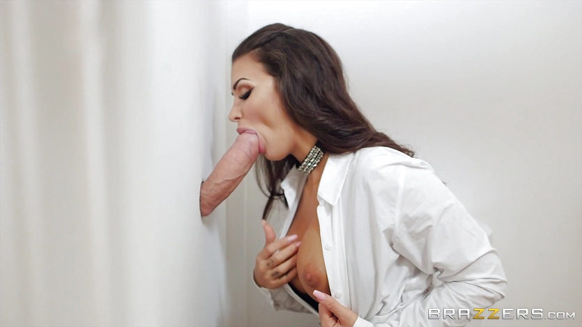 Bisexual men and women eating cum