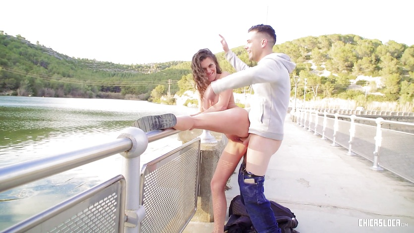 CHICAS LOCA - Russian chick fucks outdoors in Spain