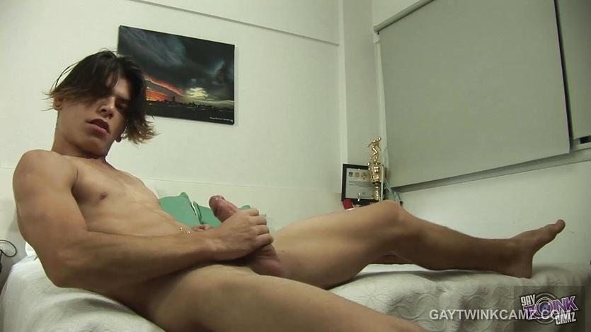Twink Latino Dylan Stroking On Webcam