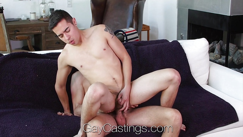 GayCastings Newcomer Johnny Cruz fucks casting agent