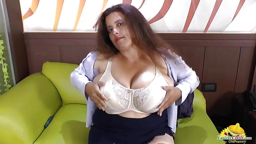 Latinchili latina mature solo masturbating 4