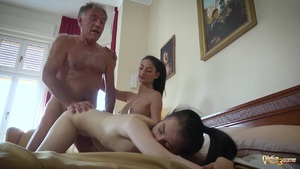 Old Teen Porno Threesome With Little Teen Sex Pussy Cum