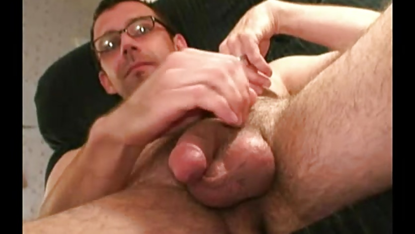 Mature Amateur Bobby Beats Off